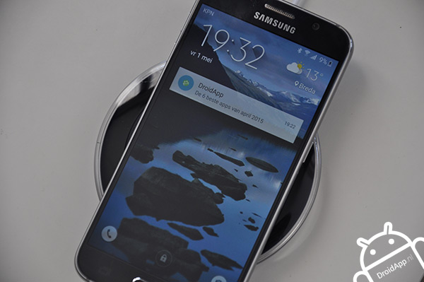 Galaxy S6 wireless charger