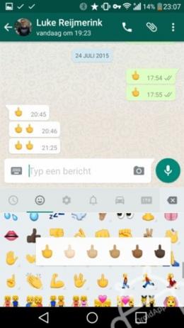 WhatsApp middelvinger 2.12.208