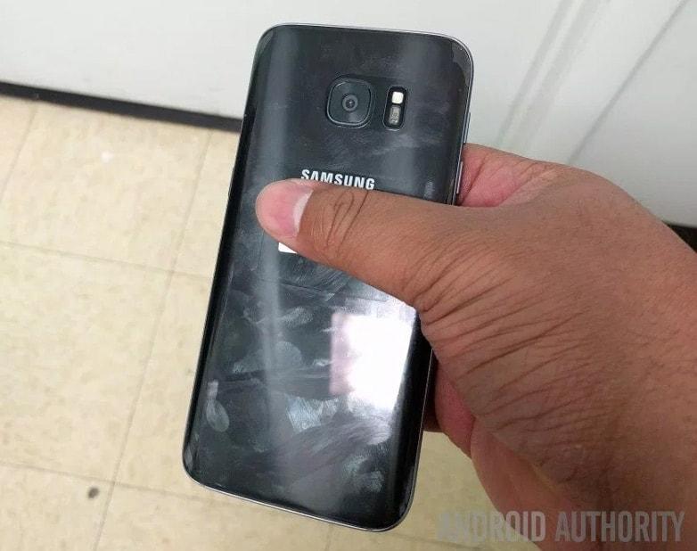 Samsung Galaxy S7 achter