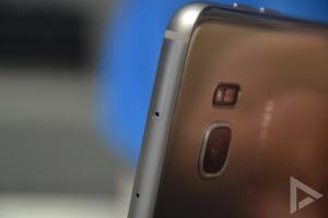 Samsung Galaxy S7 Edge MicroSD sleuf