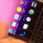 'BlackBerry Mercury met volwaardig toetsenbord te zien op foto's'