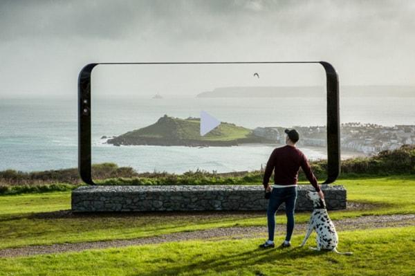 Samsung Galaxy S8 Giant Phone Tour