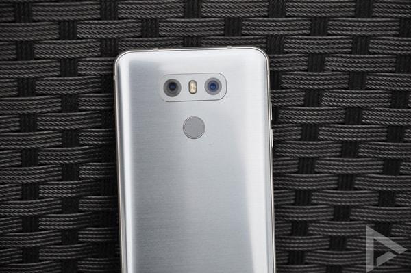 LG G6 dual-camera