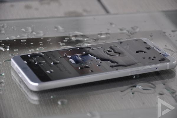 LG G6 water