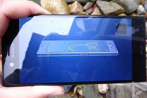 Sony Xperia XZs video