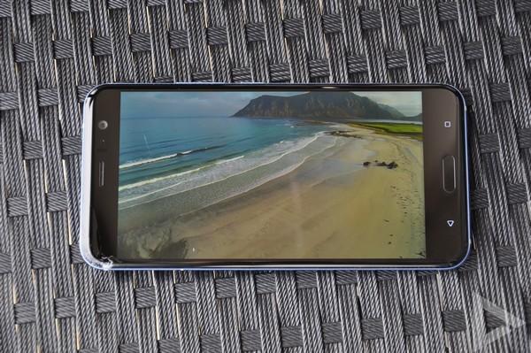 HTC U11 video