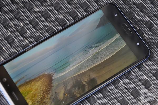 HTC U11 beeldscherm