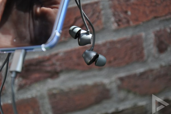 HTC U11 USonic headset