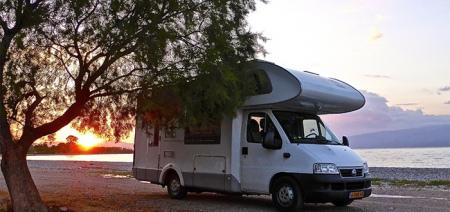 De 17 beste kampeer-apps voor je vakantie met caravan of camper