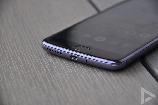 Moto E4 Plus USB