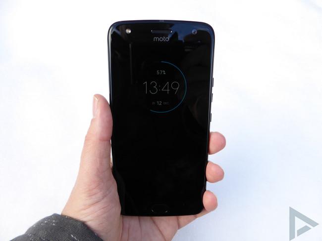 Moto X4 lockscreen