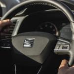 Uitspraak rechter: smartphone op schoot tijdens rijden is toegestaan