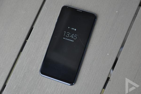 LG V30 Always On Display