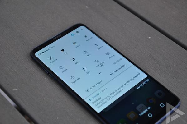 LG V30 quick settings