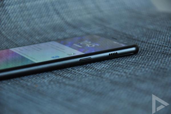 Samsung Galaxy A8 2018 speaker