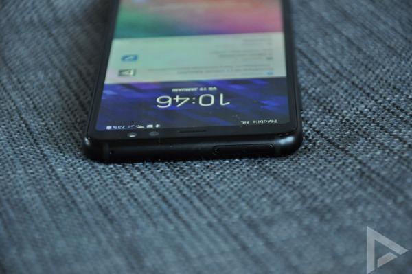 Samsung Galaxy A8 2018 bovenkant