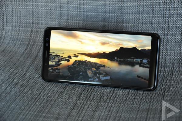 Samsung Galaxy A8 2018 beeldscherm