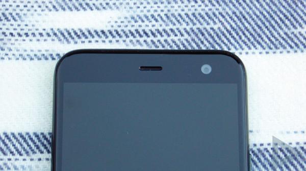 HTC U11 Life front-camera