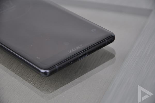 Sony Xperia XZ2 USB-C