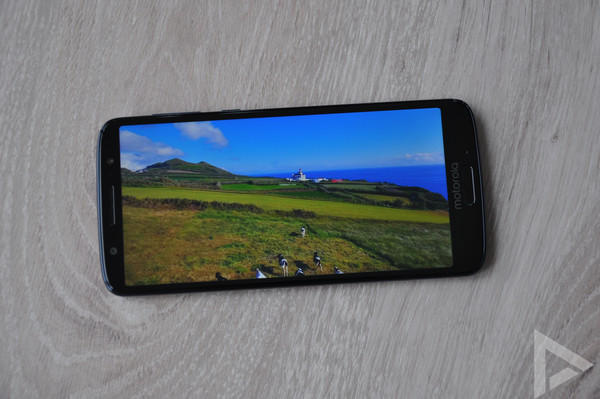 Moto G6 display