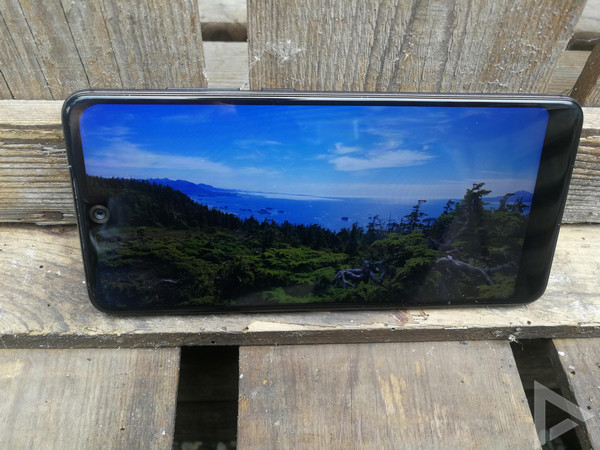 Wiko View 2 display