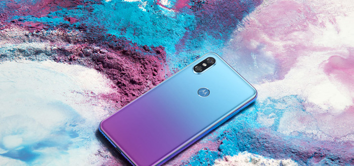 Motorola presenteert Moto P30: mix tussen Huawei P20 en iPhone X
