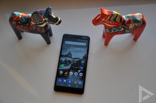 Nokia 5.1 design