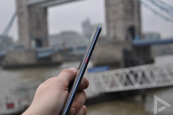 Huawei Mate 20 Pro zijkant