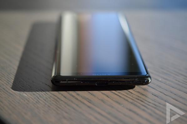 Sony Xperia XZ3 USB