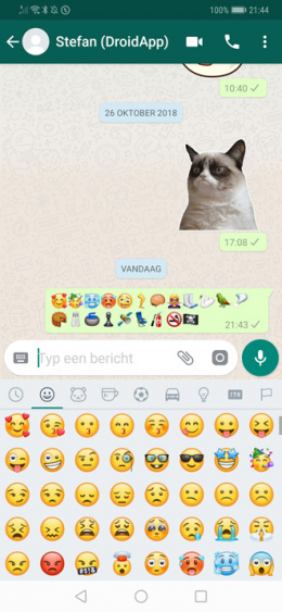 WhatsApp 2.18.338 emoji