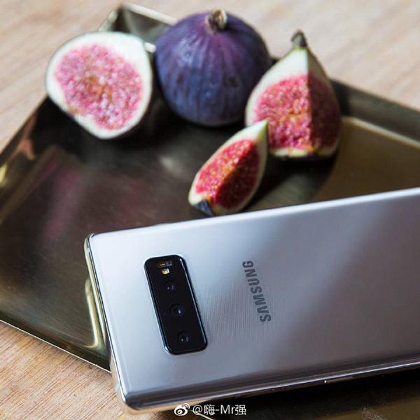 Samsung Galaxy S10 Plus live