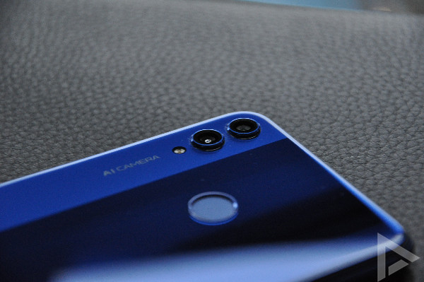Honor 8X design camera