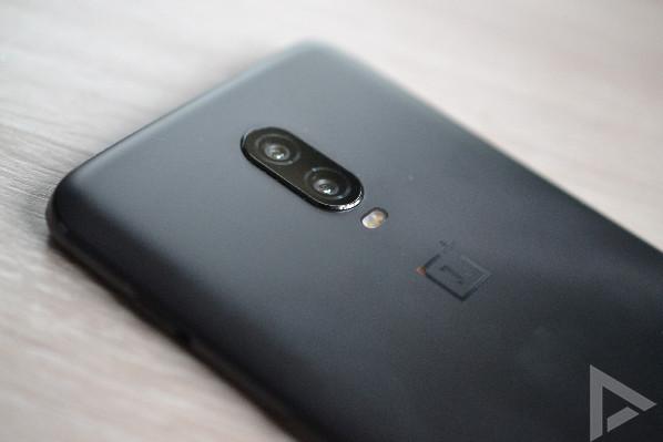 OnePlus 6T dual-camera