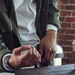 Fitbit Pay uitgebracht in Nederland: zo werkt het betalen met je horloge