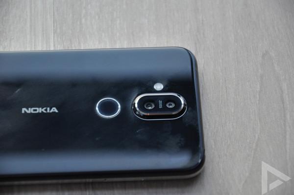 Nokia 8.1 dual-camera