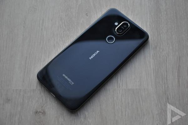 Nokia 8.1 achterkant