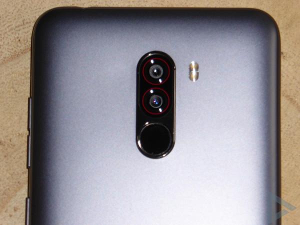 Pocophone F1 dual-camera