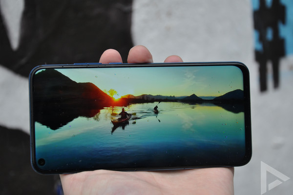 Honor View 20 display