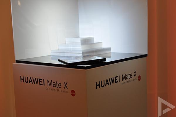 Huawei Mate X uitgeklapt