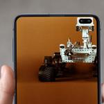 Galaxy S10: toffe wallpapers die het cameragat geniaal gebruiken