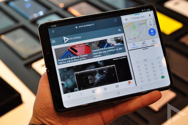 Samsung Galaxy Fold split screen