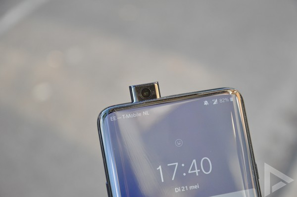 OnePlus 7 Pro pop-up camera