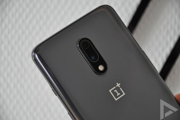 OnePlus 7 dual-camera