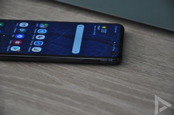 Samsung Galaxy S10e zijkant