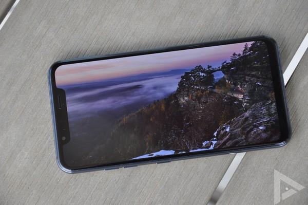 LG G8s display