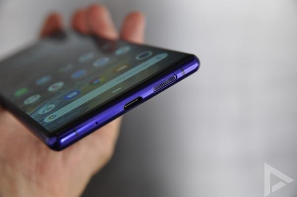 Sony Xperia 1 usb speaker