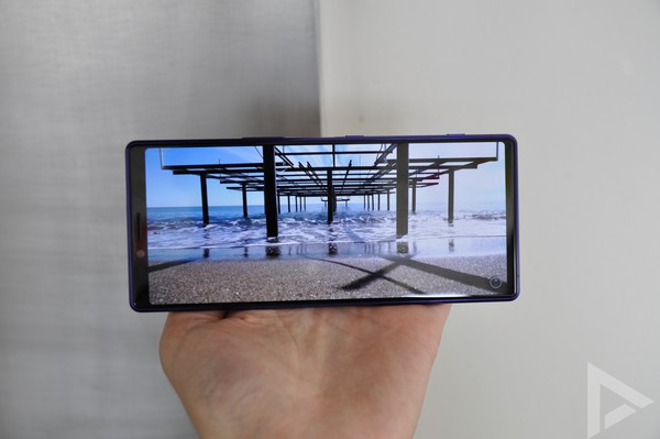 Sony Xperia 1 video