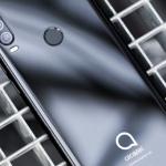 Alcatel presenteert Alcatel 3x en TCL komt met Plex-smartphone