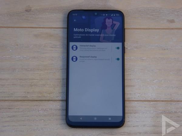 Moto G8 Plus Moto Display