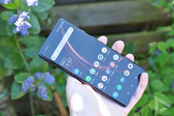 OnePlus 8 Pro OxygenOS